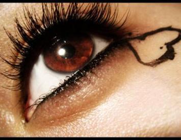 Brūnas acis  holeriķi pilni... Autors: mazaaph Paskaties acīs :)