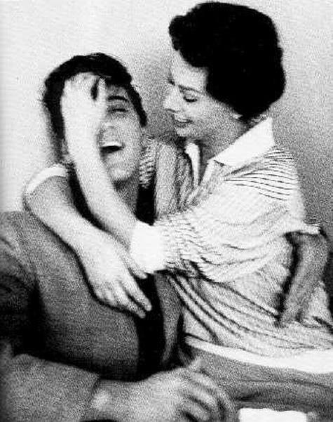 Elvis Presley and Sophia Loren Autors: dzeimsons Slavenību Gigapaka
