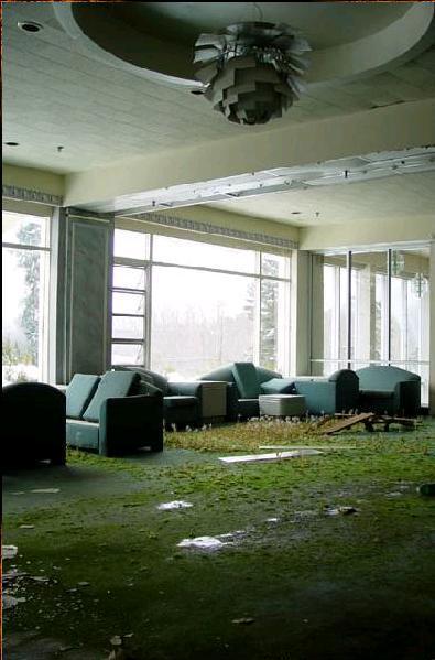 """Autors: LittleWolf Pamestā """"The Pines"""" viesnīca"""