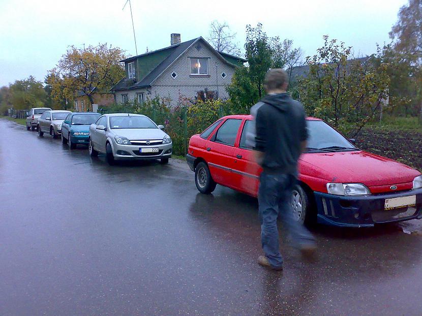 izvēlējos auto D Autors: Cumosniks kā nevajag braukt ar auto