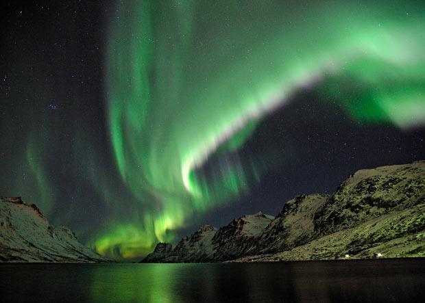 Ļoti spēcīgas ziemeļblāzmas... Autors: KingOfTheSpokiLand Ziemeļblāzma Norvēģijā!