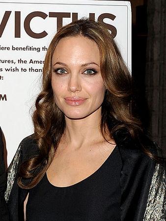 32 Angelina Jolie 21 miljons Autors: BLACK HEART Top Hollywood Earners of 2009...