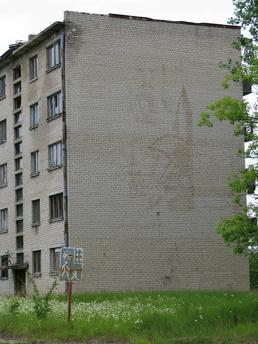 """Attēli uz mājas sienas... Autors: smaidiigais """"Spoku pilsēta"""" - pārdota!"""