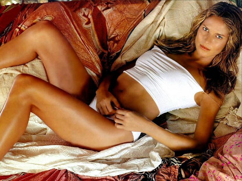 Supermodele Heidija Klūma... Autors: chelioss Slavenibas Apdrošinājās!!!!