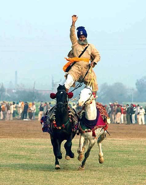 jāšana vienlaicīgi ar diviem... Autors: pusniks Mini Olimpiskās spēles Indijā