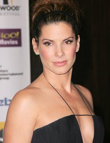 8 Vieta Sandra Bulloka 45 gadi... Autors: MEGRUBI Vanityfair apbalvo top 10 labākās aktrises 2010