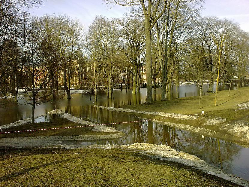 Līdz pilij ar vairs nav tālu Autors: ruudza6 Jelgava turpina applūst