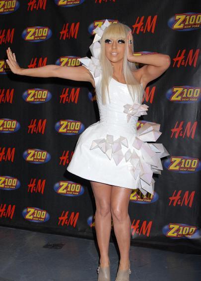 Lady Gagadaudziem vina... Autors: DrumGirl Stars