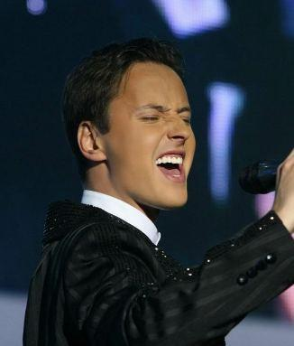 Daugavpilī dzimušais Krievu... Autors: desantnieks Cik oktāvu balss ir populārajiem dziedātājiem?