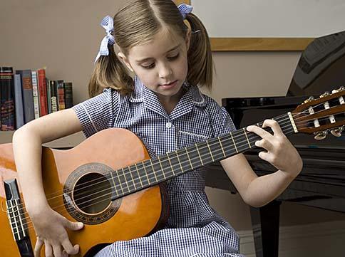 17 Iemācīties spēlēt ģitāru ... Autors: Fosilija Cilvēku populārākās vēlmes/mērķi