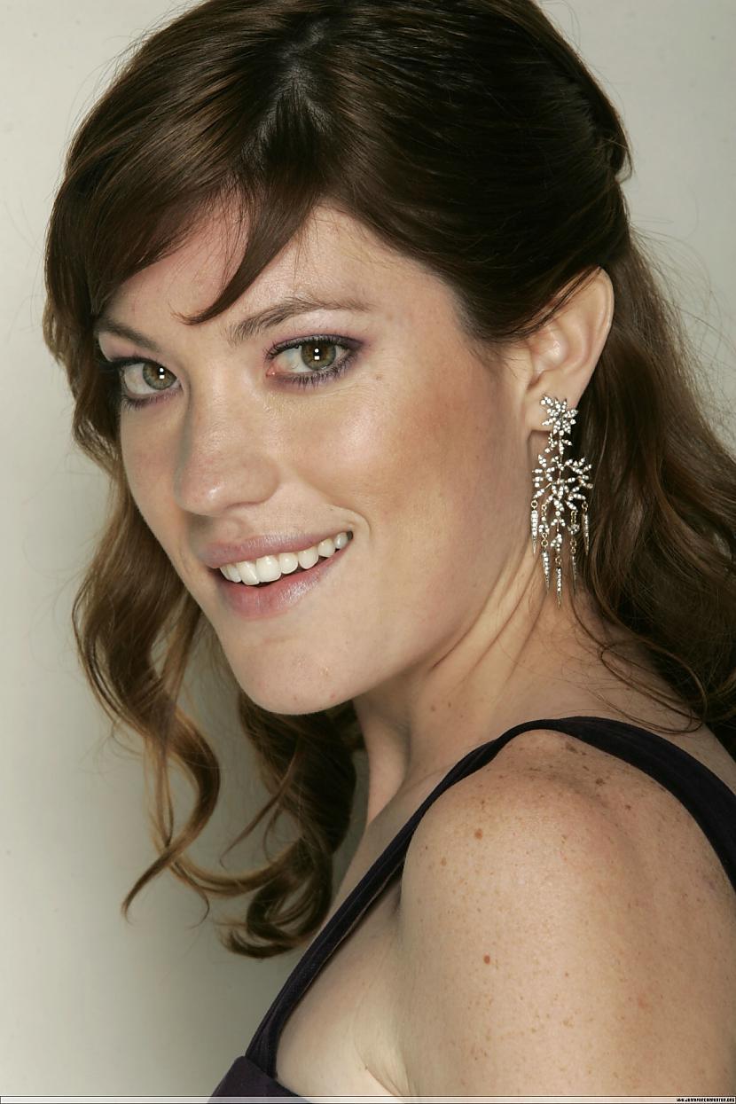 Jennifer Carpenter Viņa ir... Autors: Lieniitee Dexter