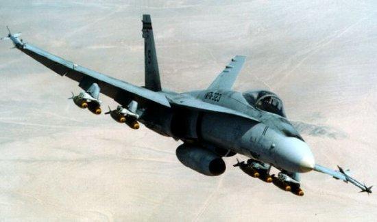 10 FA18 Hornet 94 miljoni... Autors: Fosilija 10 dārgākie militārie lidaparāti