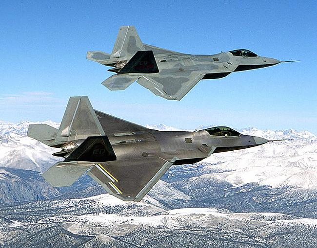 2 F22 Raptor 350 miljoni es... Autors: Fosilija 10 dārgākie militārie lidaparāti