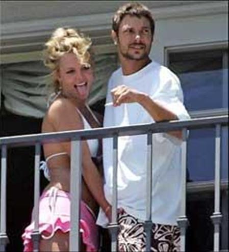 Britney Spears This is MY... Autors: edjix Zvaigžņu negantās rokas
