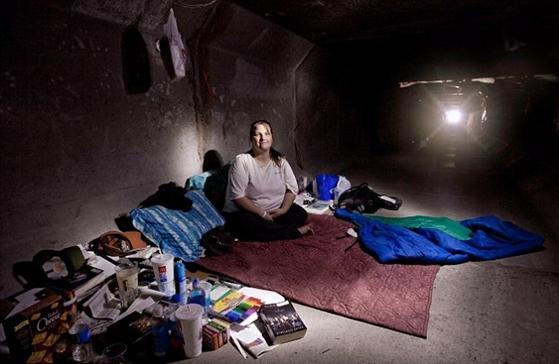 Stīvens bija spiests... Autors: MONTANNA Cilvēki dzīvo Lasvegasas pazemes tuneļos