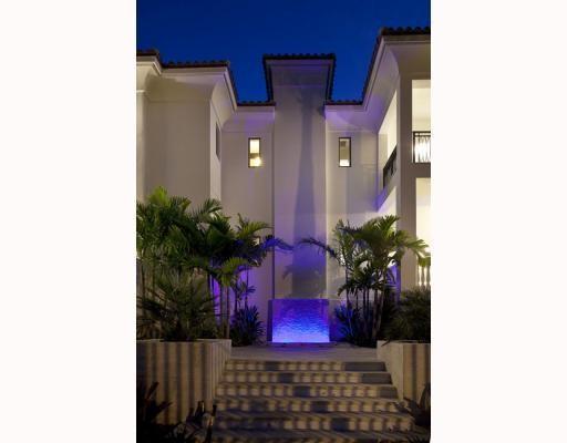 Viena no trijām strūklakām Autors: NOKAR LeBron James $9m vērtā pludmales māja