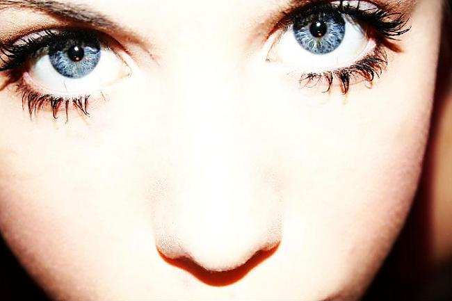 Pelēkas vai zilas acu krāsas... Autors: Merci Acu krāsa.