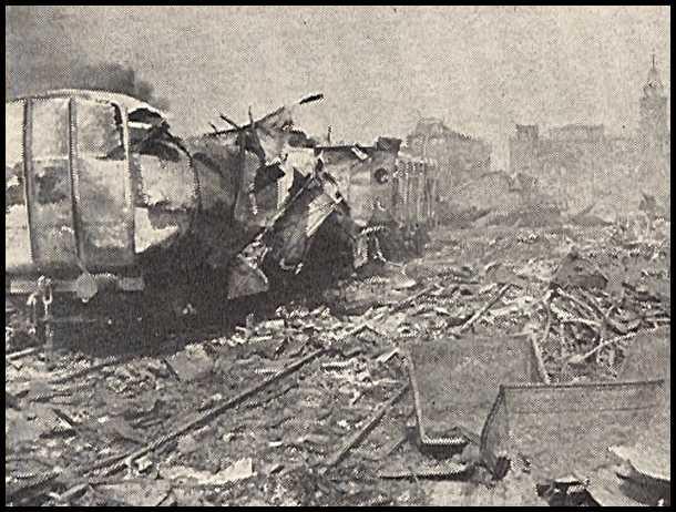 GlābiņšKopējā mobilizācija... Autors: mazza22 pilsēta liesmās! (1944.gads)