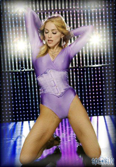 Madonna  325 miljoni dolāru   ... Autors: SharK Bagātas sievietes kuras...
