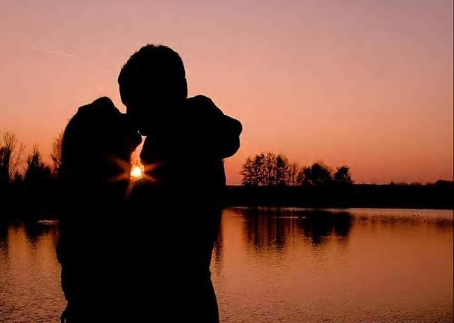 Skūpstoties paātrinās pulss... Autors: Mr Cappuccino Daži intresanti fakti un padomi.Izlasi!