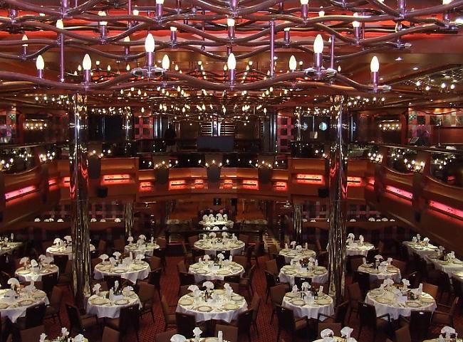 Uz kuģa ir 5 restorāni 13 bāri... Autors: ghost07 Lielākais prāmis Rīgas vēsturē ieradīsies jau rīt