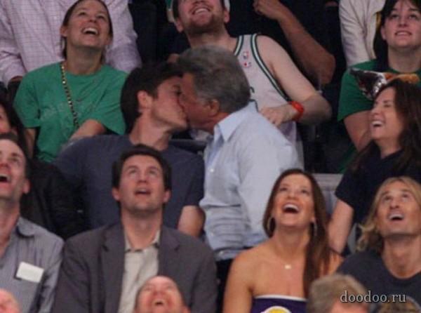 Dustin Hoffman  Jason Bateman Autors: Boni ~Slavenību skūpsti~