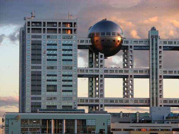 Fuji televizoru māja  Atrodas... Autors: battery Interesantākās ēkas pasaulē.