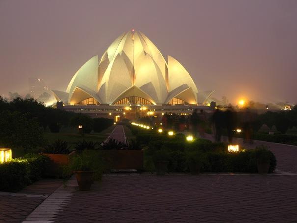 Lotusa templis  atrodas Deli... Autors: battery Interesantākās ēkas pasaulē.
