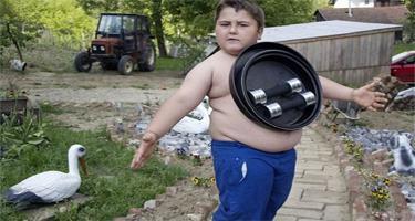 Autors: reaalists17 Zēns,kurš pievelk metālu...