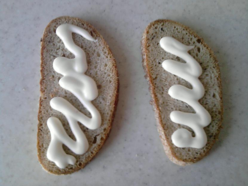 Tātad uz maizes uzspiežam... Autors: Fosilija Slinķu launags