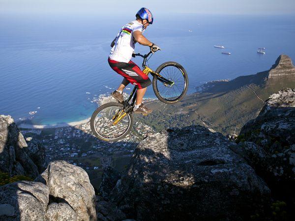 Braukšana ar riteni pa Dienvid... Autors: Reverss Ekstrēmākie sporta veidi pasaulē.