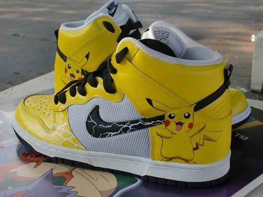 Pikachu Nike botes  ar tādām... Autors: Mansters 10 nejēdzīgākie Pokemonu produkti