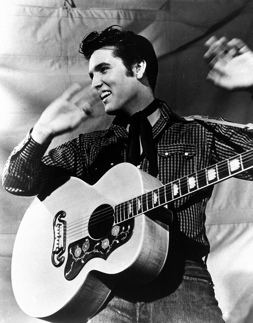 Elviss Ārons Preslijs nomira... Autors: sapesprieksunasaras Patiesība vai mīts? Elviss ir dzīvs!