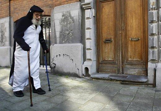 Pats vīrietis  Autors: ČOPERS Beļģījā vīrietis 40 gadus dzīvoja kā pingvīns!!
