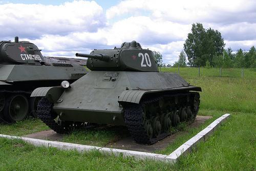 Krievu T50 Autors: Bucitis1 2.P.K vācu un krievu tanku salīdzinājums (1.daļa)