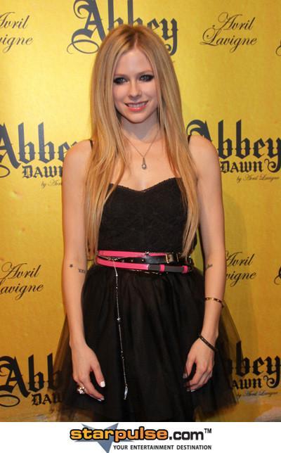 Viņa bija precējusies ar... Autors: so sweet girl Avril Lavigne