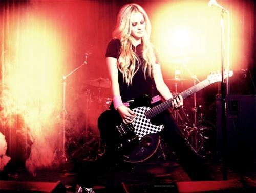 Vēsture 20022003 Acīmredzami... Autors: so sweet girl Avril Lavigne