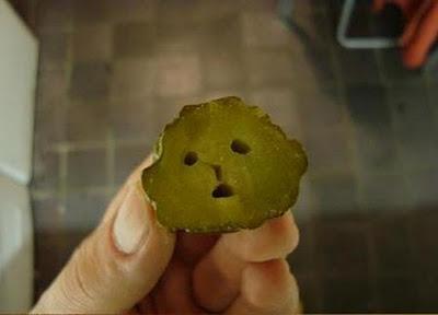 Autors: Zaļais Zirnis kā izniekot ēdienu.