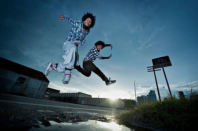 Abi dejotāji dzimuši 1988 gada... Autors: AnnGeL Les twins