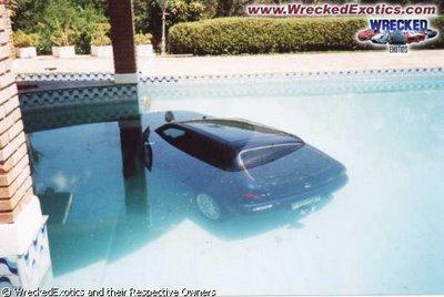 Autors: Anāls Error. Nepatikšanas auto stāvietā.