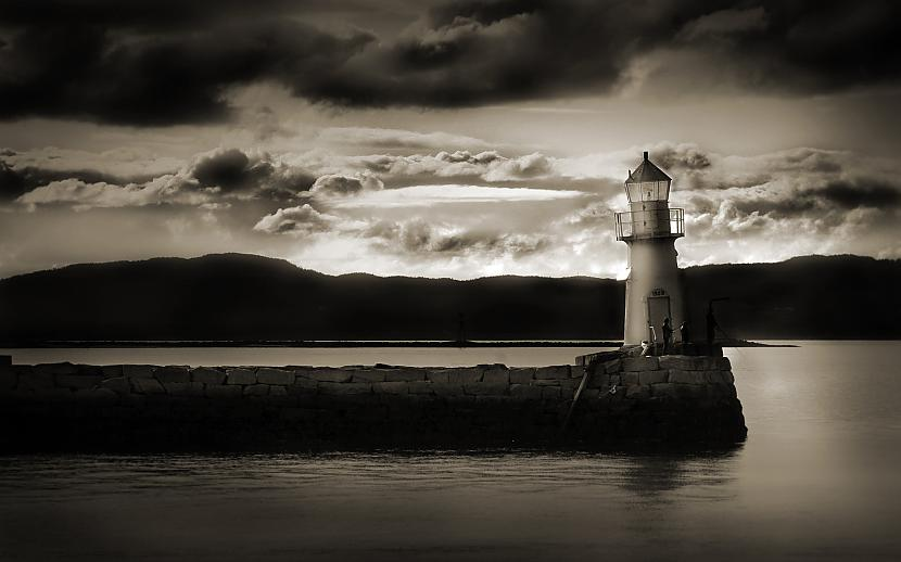 Autors: Fosilija You're my lighthouse...
