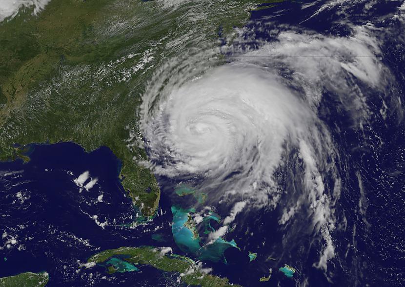 Orkāns Irēna pietuvojas... Autors: cuchins Aizvadītā 2011 spēcīgākās bildes!
