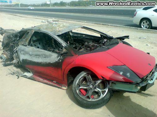 2008 gada Lamborghini... Autors: Fosilija Pāris avārijas Kuveitā