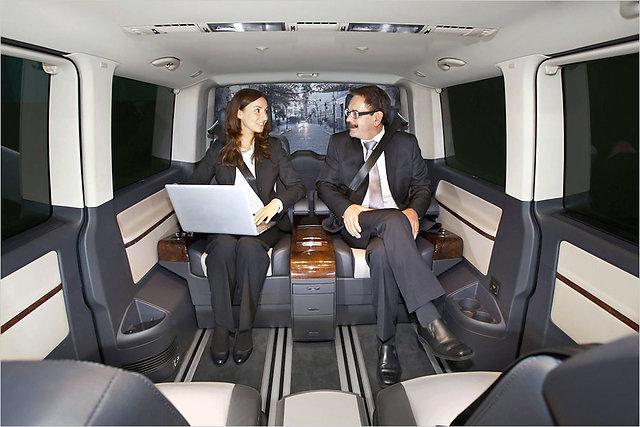 Busiņa salons kurā iekļūst pa... Autors: HHRonis Pats dārgākais Volkswagen busiņš.