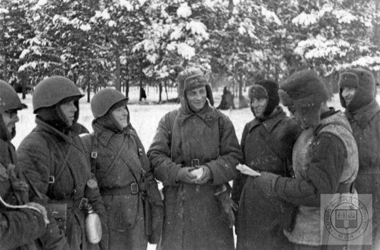 Mūsu varoņi  latviešu... Autors: Imperaators Ziemas bildes