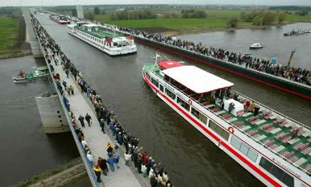 Eiropas lielākais ūdens tilts... Autors: wildkuilisNEWS6 Pasaulē iespaidīgākie tilti