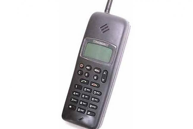 1992 gads  Nokia 1011 Pirmais... Autors: PlayampPause Nokia produkti, kas izmainija pasauli.