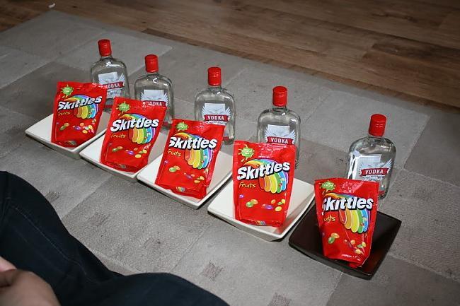 Autors: HHRonis Vodka un skitli ?