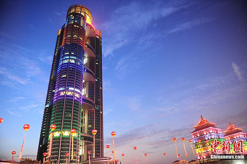7 vieta Hanging Village of... Autors: estrella Top 10 augstākās celtnes kuras pabeigtas 2011. gadā.
