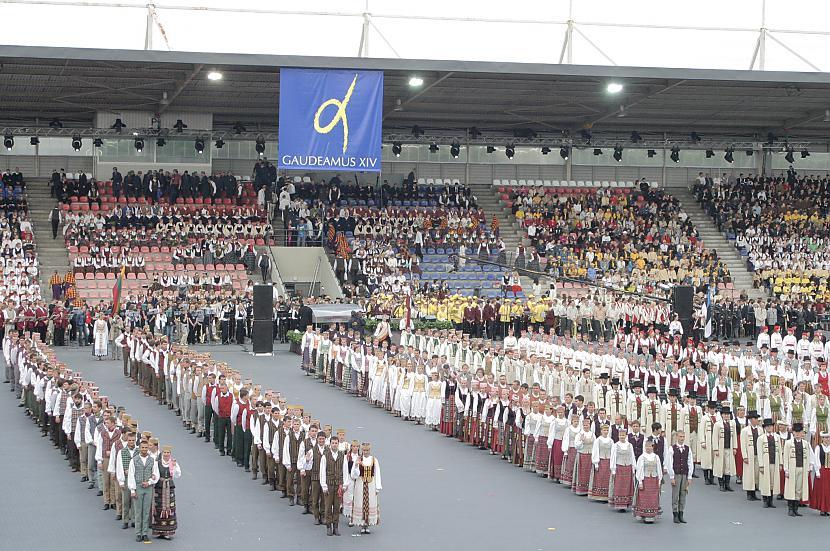 Dziesmu un deju svētki Ja... Autors: axell99 Kapēc Latvija ir labākā valsts pasaulē? [2]